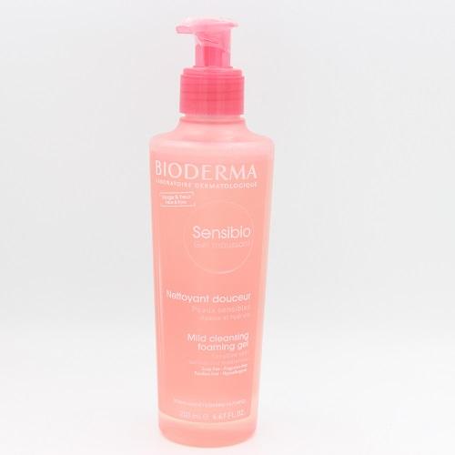 غسول بيوديرما للبشرة الحساسة الوردي وكيفية استخدامه بشكل صحيح